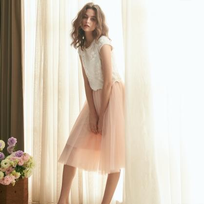 Agnes愛格妮絲典雅立體刺繡貼花上衣 +粉短紗裙 (二件式)