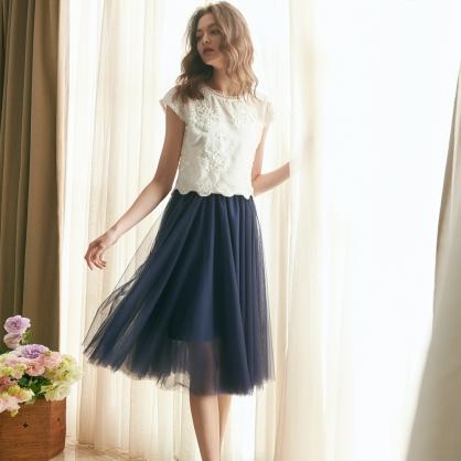 Agnes愛格妮絲典雅立體刺繡貼花上衣 +藍短紗裙 (二件式)