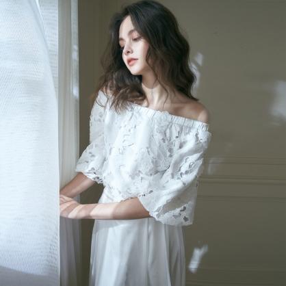 Olive奧利芙 花漾一字領刺繡貼花上衣 +白長紗裙 (二件式)禮服,輕婚紗