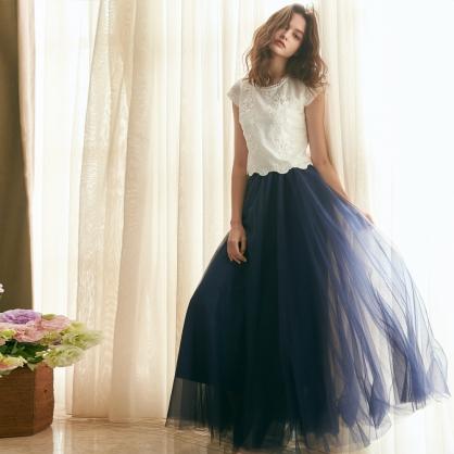 Agnes愛格妮絲典雅立體刺繡貼花上衣 +藍長紗裙 (二件式)