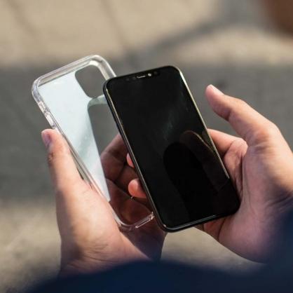 UNIQ Lifepro 超透亮防摔 雙料保護殼 iPhone 11