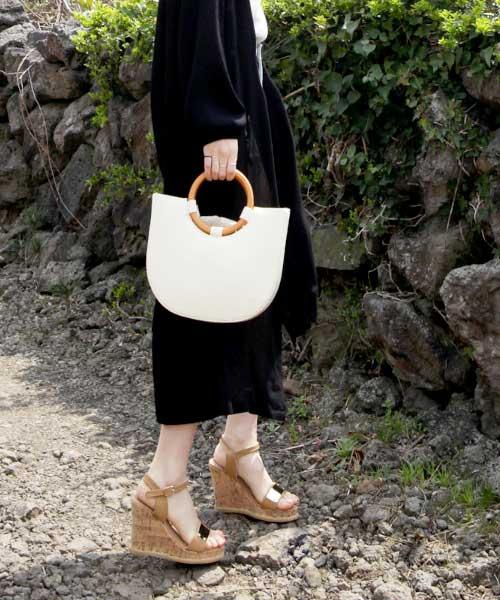 ★韓系★Metallic Barbie 個性時尚金屬飾片扣帶軟木楔型涼鞋 (兩色)