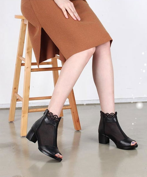 ★正韓★Black Romance 浪漫時尚網紗蕾絲皮革後拉鍊露趾粗跟踝靴