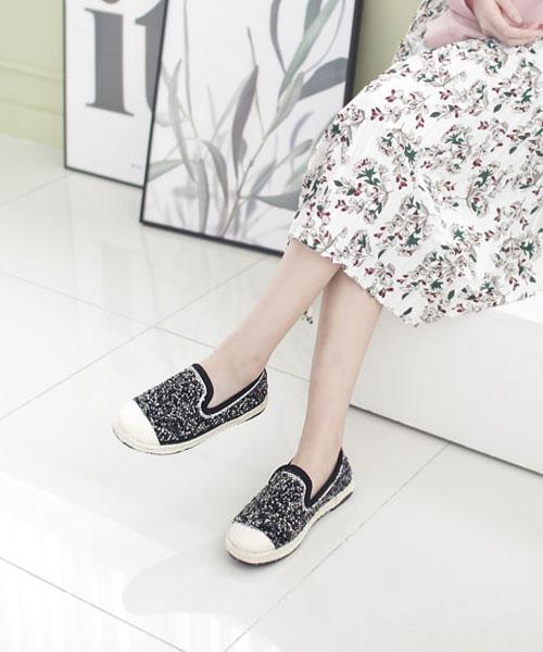 ★韓系★ROCOCO HEMP時尚個性閃爍立體亮片編繩休閒懶人鞋 (兩色)