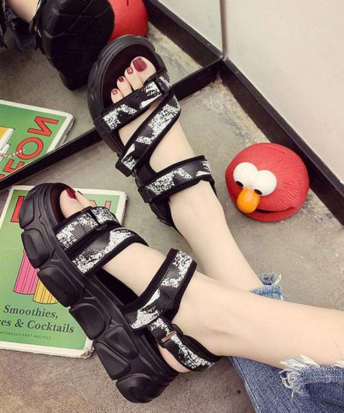 ★韓系★Safari Hippie夏日休閒刷色嬉皮魔術帶 5cm厚底涼鞋 (三色)