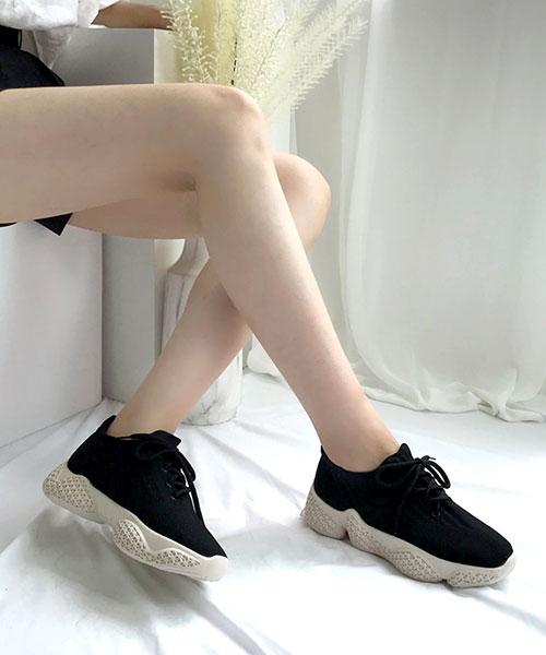 ★韓系★RENATA休閒柔軟透氣網布圓繫帶 造型鞋底 休閒運動鞋 (3色)