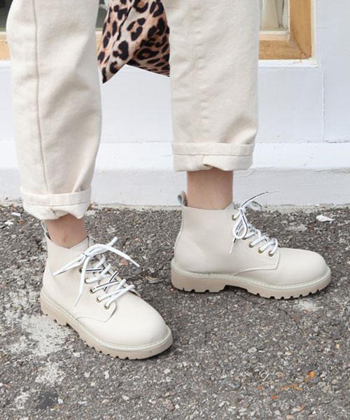 ★韓系★Pacer Van 時尚經典皮革印字繫帶低筒厚底馬汀短靴 (兩色)