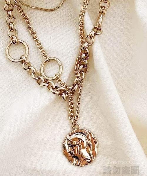 ★正韓設計師款《獨家耳夾式》★Heart Kite 時尚浪漫閃耀水鑽半心耳環 (2色)