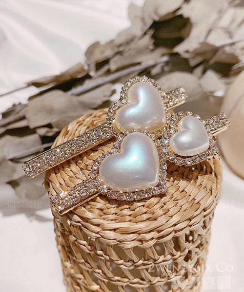★正韓設計師款★Pearl Heart 時尚氣質珍珠水鑽愛心一字髮夾 (2款)