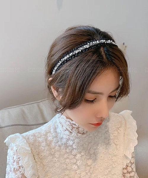 ★ 正韓 Aurora PLL ★ 浪漫優雅 蘿莉珍珠水鑽蕾絲髮箍 (兩色)