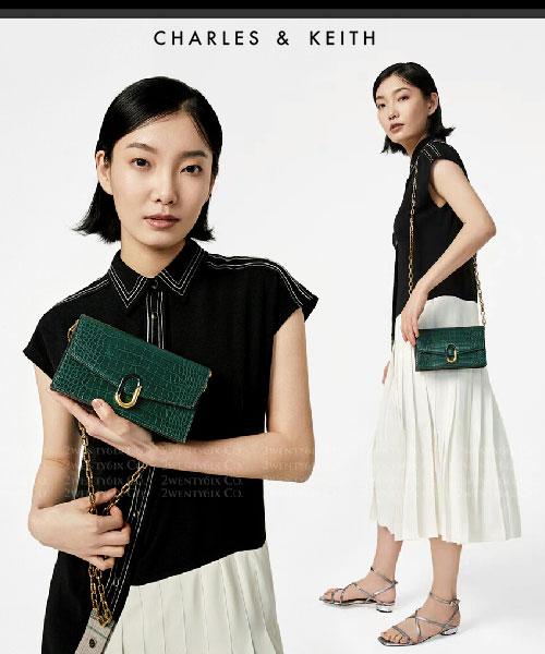 ★新加坡正品CHARLES & KEITH★鱷魚皮紋石頭扣飾粗鍊信封皮夾包(三色)