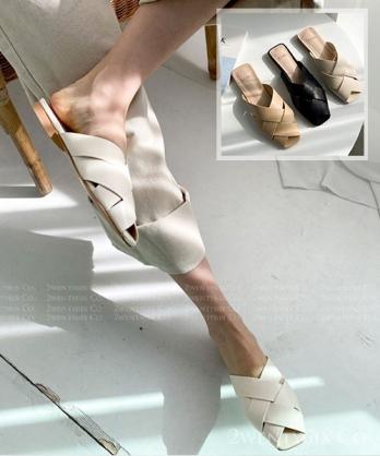 ★ 正韓 Frederica CS ★ 質感造型交錯皮革 微跟半拖鞋 (三色)