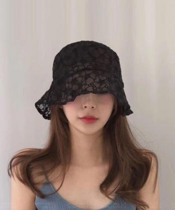 ★ 正韓  FLoRal RC  ★ 浪漫透膚蕾絲勾花 質感小白帽/小黑帽