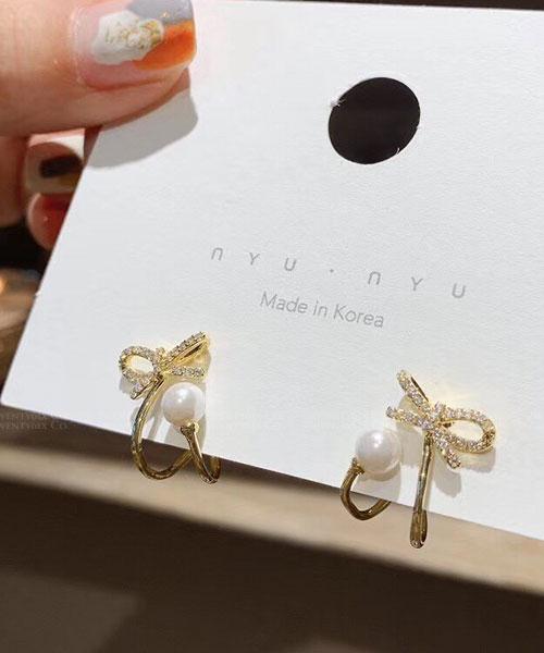 ★ 正韓 Naomi BT ★ 時尚閃耀 可愛水鑽蝴蝶結 繞圈珍珠 耳針耳環