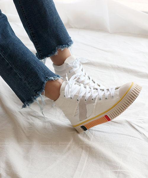 ★ 韓系 JPC ★ 個性不修邊帆布皮革 彩色鋼琴邊條 高筒休閒鞋 (兩色)