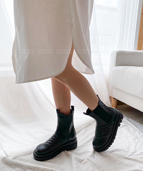 ★ 韓系 AGNES AX ★ 質感壓線皮革 鬆緊帶 拉鍊 圓頭厚底中筒靴 (兩色)