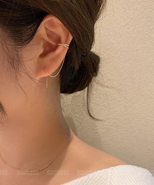 ★正韓 Gill WII ★ 時尚閃鑽 交錯金屬環圈耳夾 連接金屬鍊棒式耳針耳環(一對)