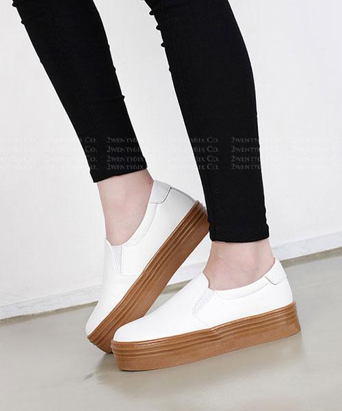 ★ 正韓 CARAMEL Platform ★ 簡約4cm焦糖鬆糕厚底 懶人鞋  (兩色)