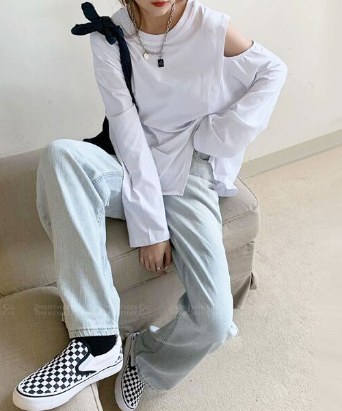 ★ 韓版 Lewis SW ★ 休閒個性 單肩挖洞袖 寬鬆不規則 造型上衣(兩色)