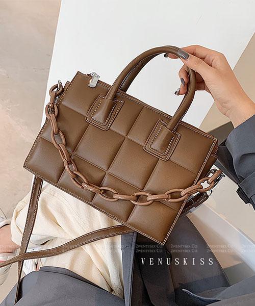 ★ 嚴選 VENUSKISS 品牌★時尚質感方格皮革 可愛鏈條手提斜揹包 (四色)