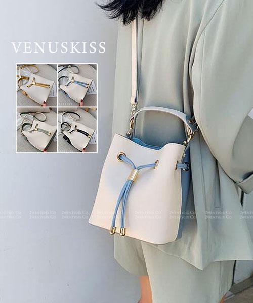 ★ 嚴選 VENUSKISS 品牌★ 時尚清新撞色皮革 束繩手提斜揹包 (四色)