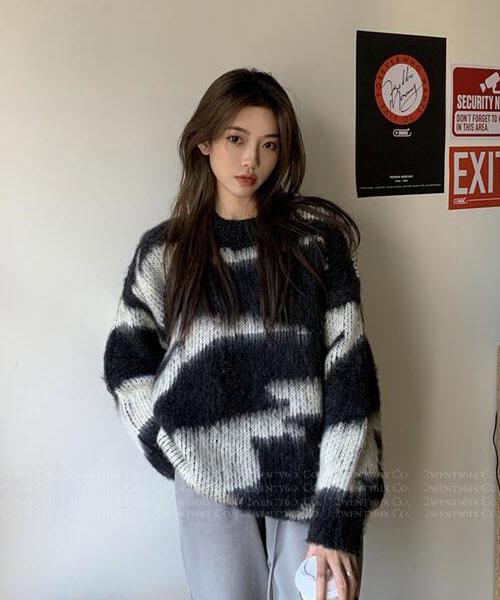 ★ 韓版 EVAN BK ★ 時尚個性不規則 撞色圓領長袖毛衣