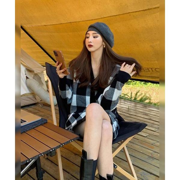 ★ 韓版 Sunny Plaid ★ 時尚經典格紋 V領大圓釦上衣 (兩色)