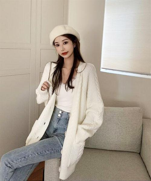 ★ 韓版 Lilly White ★ 柔美浪漫慵懶 雪白寬鬆 扭結針織開衫大鈕扣外套