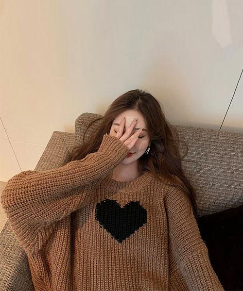 ★ 韓版 Roli Heart ★ 休閒可愛 羅莉酷黑愛心 圓領寬鬆舒適毛衣