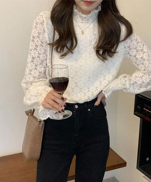 ★ 韓版 AGIG Lace ★ 浪漫優雅 質感木耳捲領 透膚蕾絲袖上衣 (兩色)