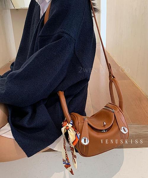★ 嚴選 VENUSKISS ★ (大尺寸)柔軟皮革絲巾綁包手提斜揹Lindy包 (四色)