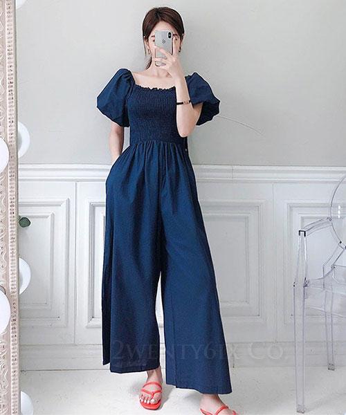 ★ 正韓 Celebrity AK ★ 名媛時尚風 質感俏麗 寬鬆肩領 口袋 連身寬褲 (兩色)