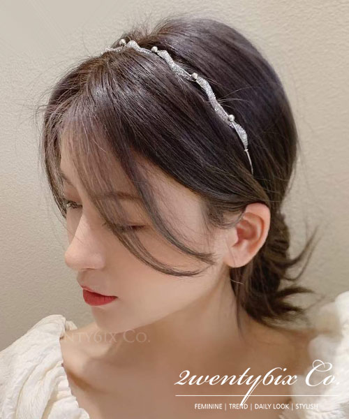 ★ 正韓 Glitter Twist ★ 閃耀別緻 扭轉銀蔥環繞鐵線珠圈 髮箍(兩色)