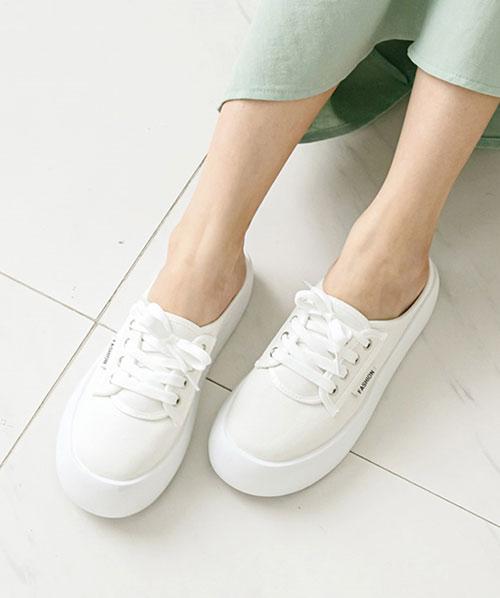 ★ 韓系 Phoebe Dall ★經典純色 休閒舒適 繫帶 可愛圓頭 娃娃半拖鞋 (兩色)