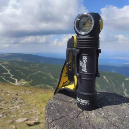 【錸特光電】 Armytek Wizard Pro 2150流明 125米射程 中白光  L型頭燈 轉角燈 多用途手電筒 磁吸USB充電 含原廠電池 18650 x1 適用MOLLE織帶 加拿大品牌 XHP50 LED
