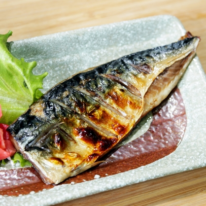 鯖魚片M(皇冠牌)/片 [E037]